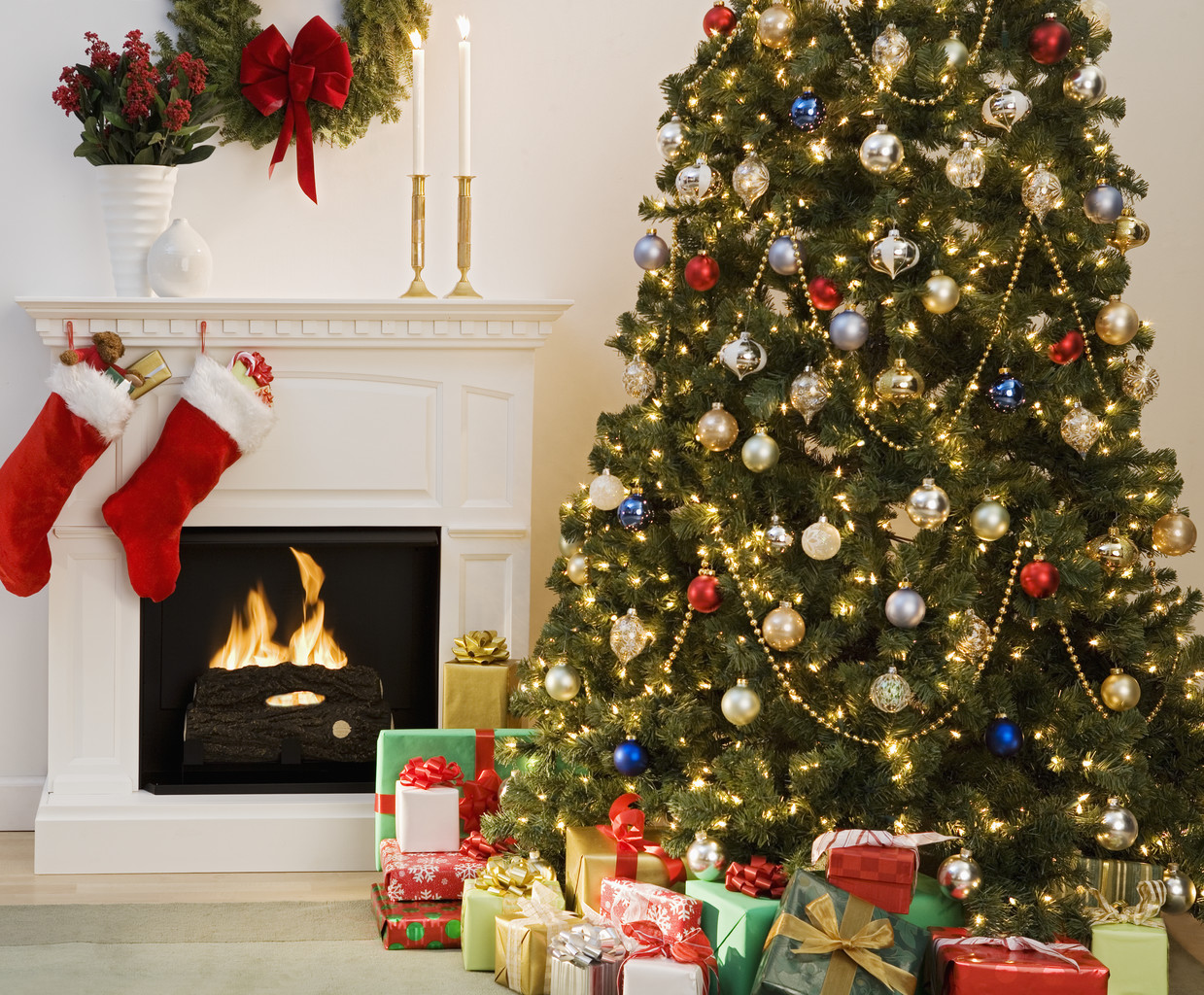 Christmas Tree With Presents And Fireplace With Stockings The