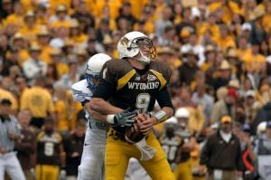 Football: Falcons defense stifles Wyoming, 23-3