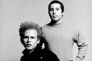 Simon and Garfunkel really knew how to rock a certain look, didn't they?